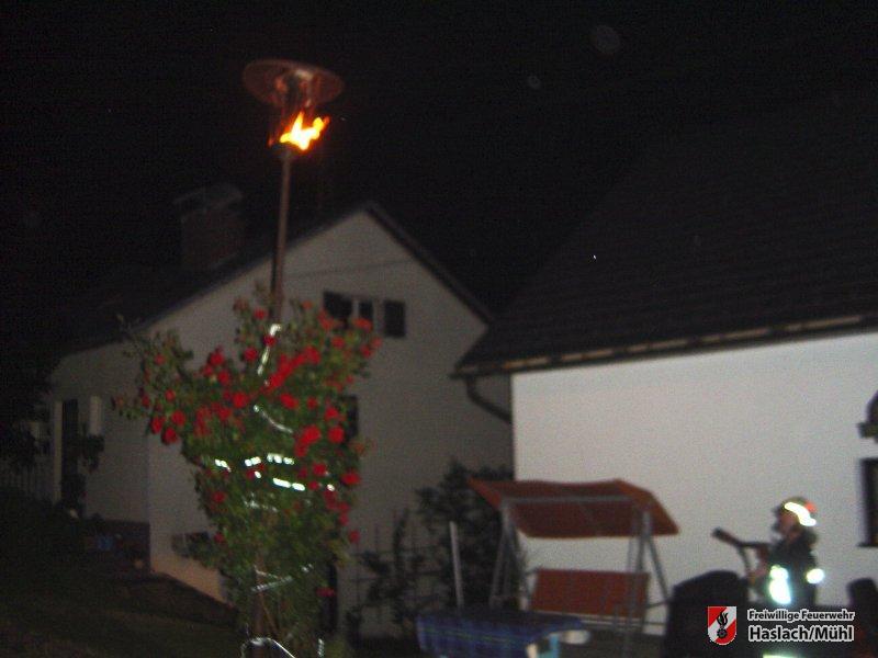 Straßenlaternenbrand in der Pfarrwiese