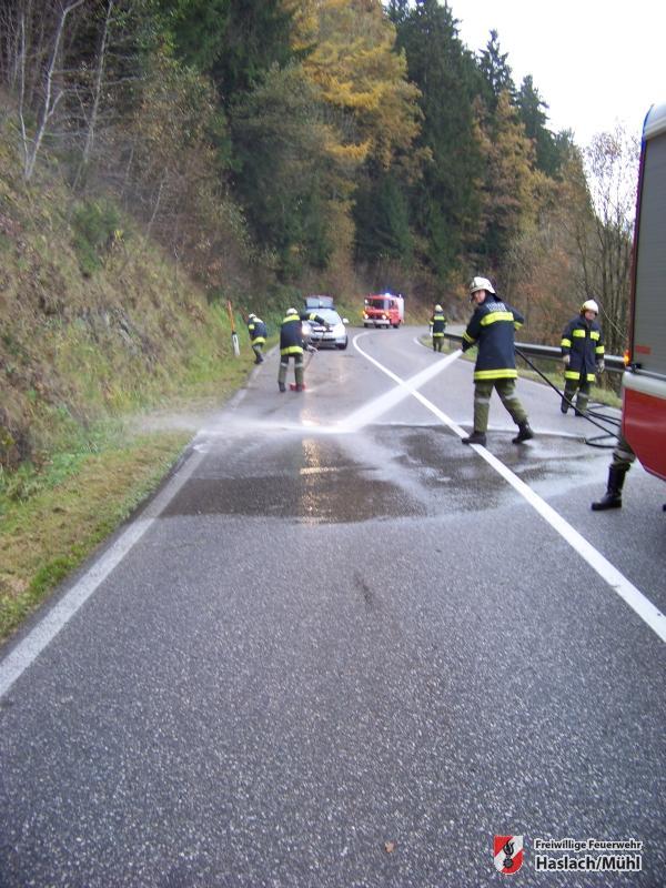 Ölspur nach Motorradunfall