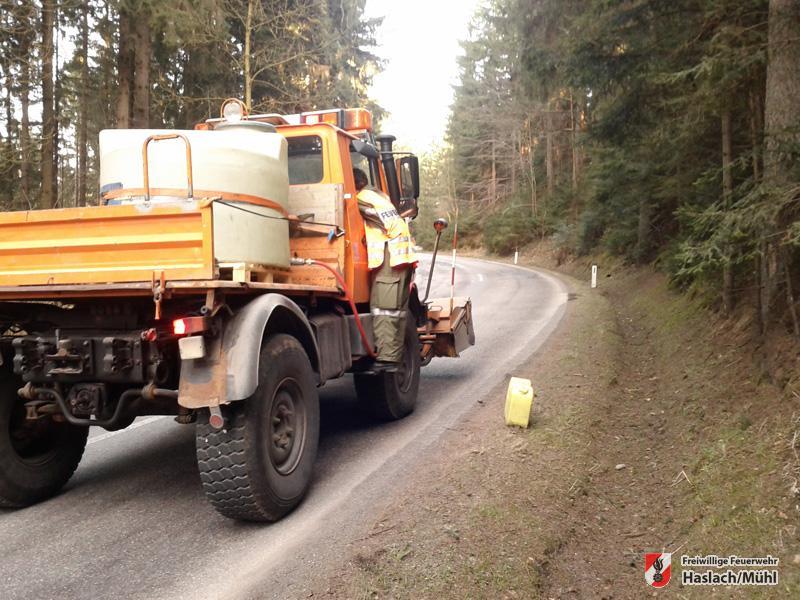Ölspur zwischen Haslach und Hartmannsdorf