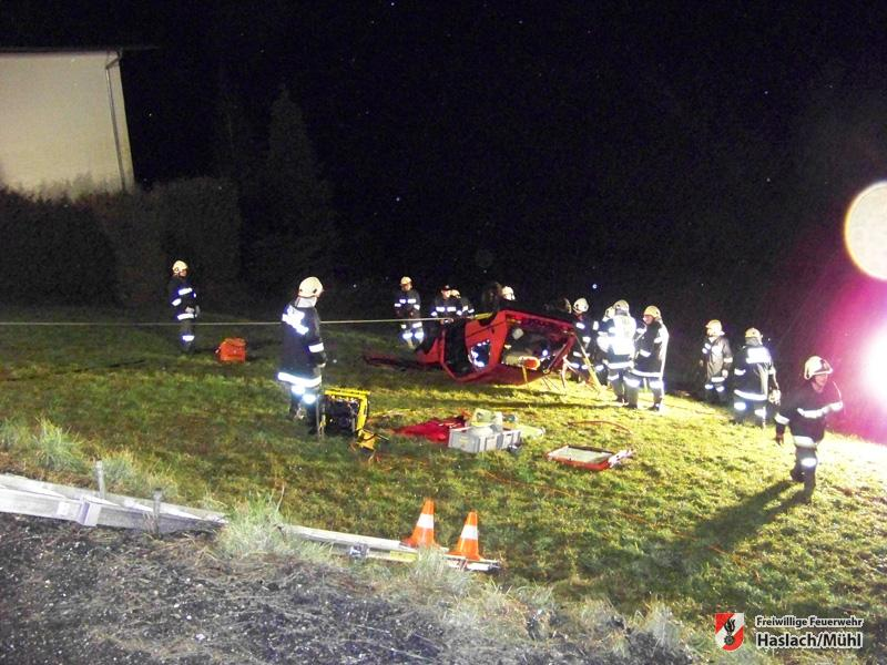 Monatsübung – Verkehrsunfall im steilen Gelände