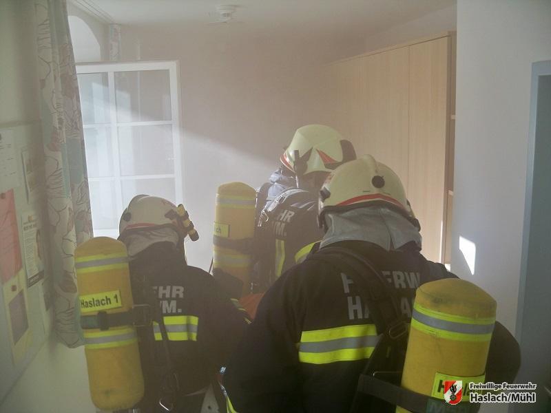 Übung Brand Gebäude – Menschenansammlung