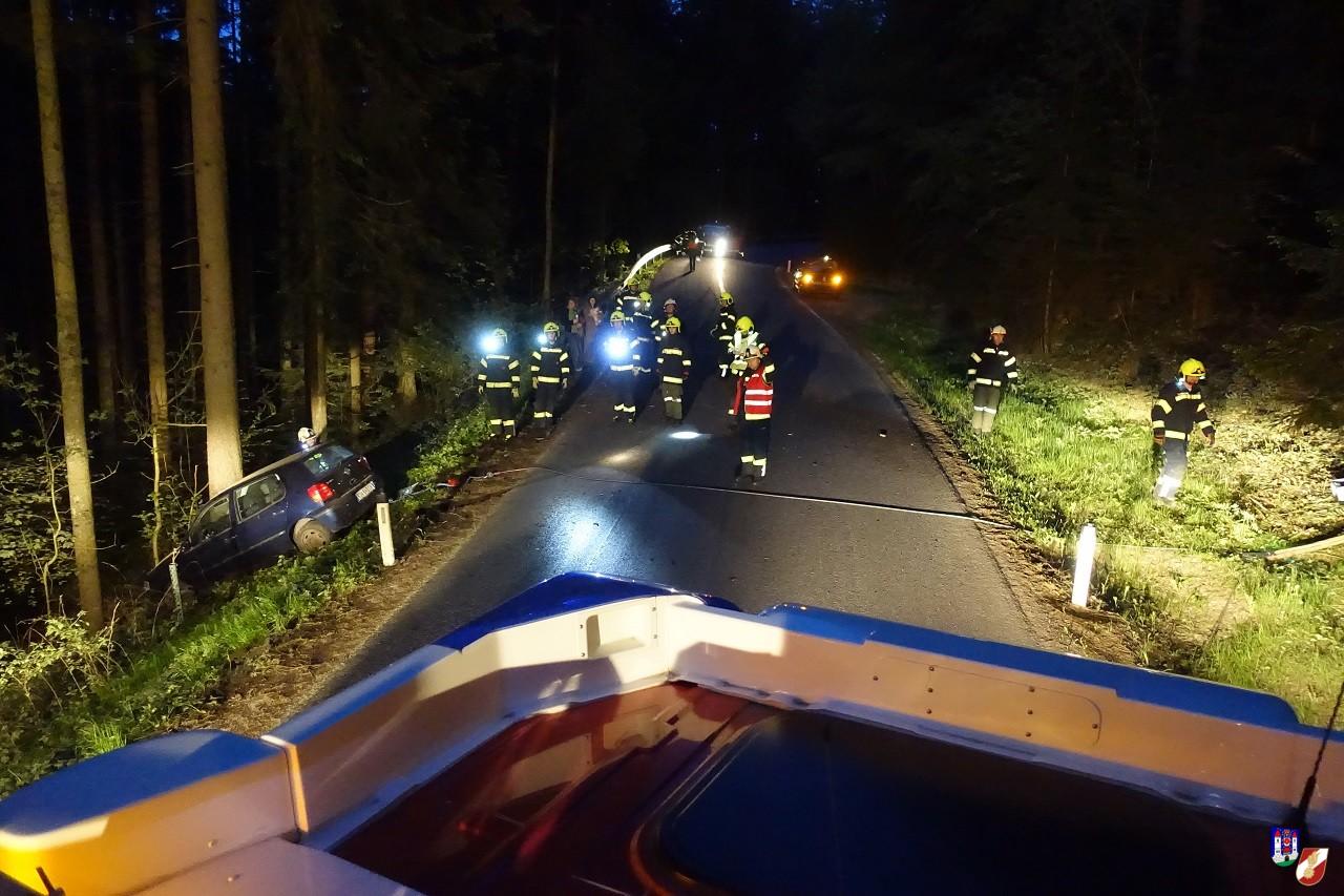 Fahrzeugbergung aus steiler Böschung