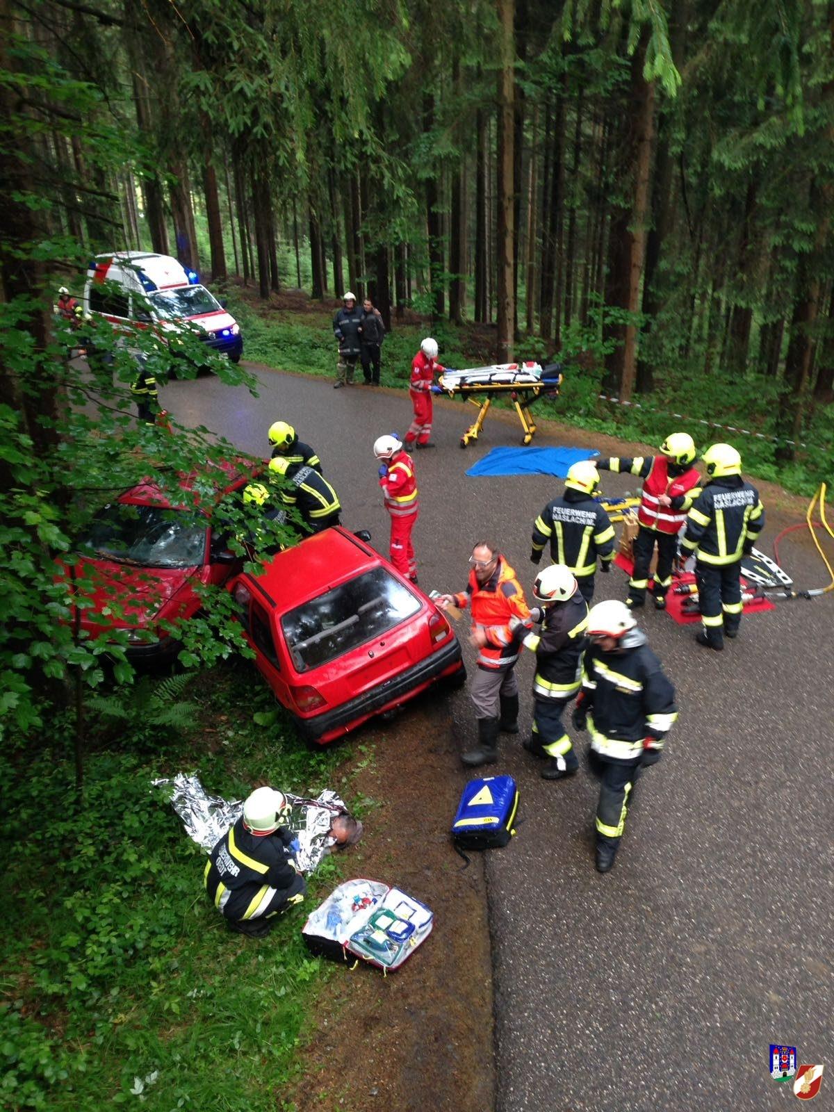 Übung: Verkehrsunfall mit mehreren Verletzten
