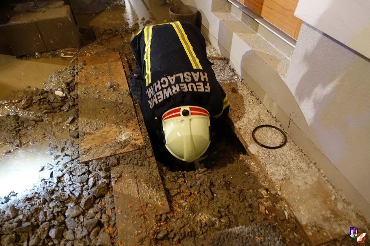 drohende Überschwemmung rasch beseitigt