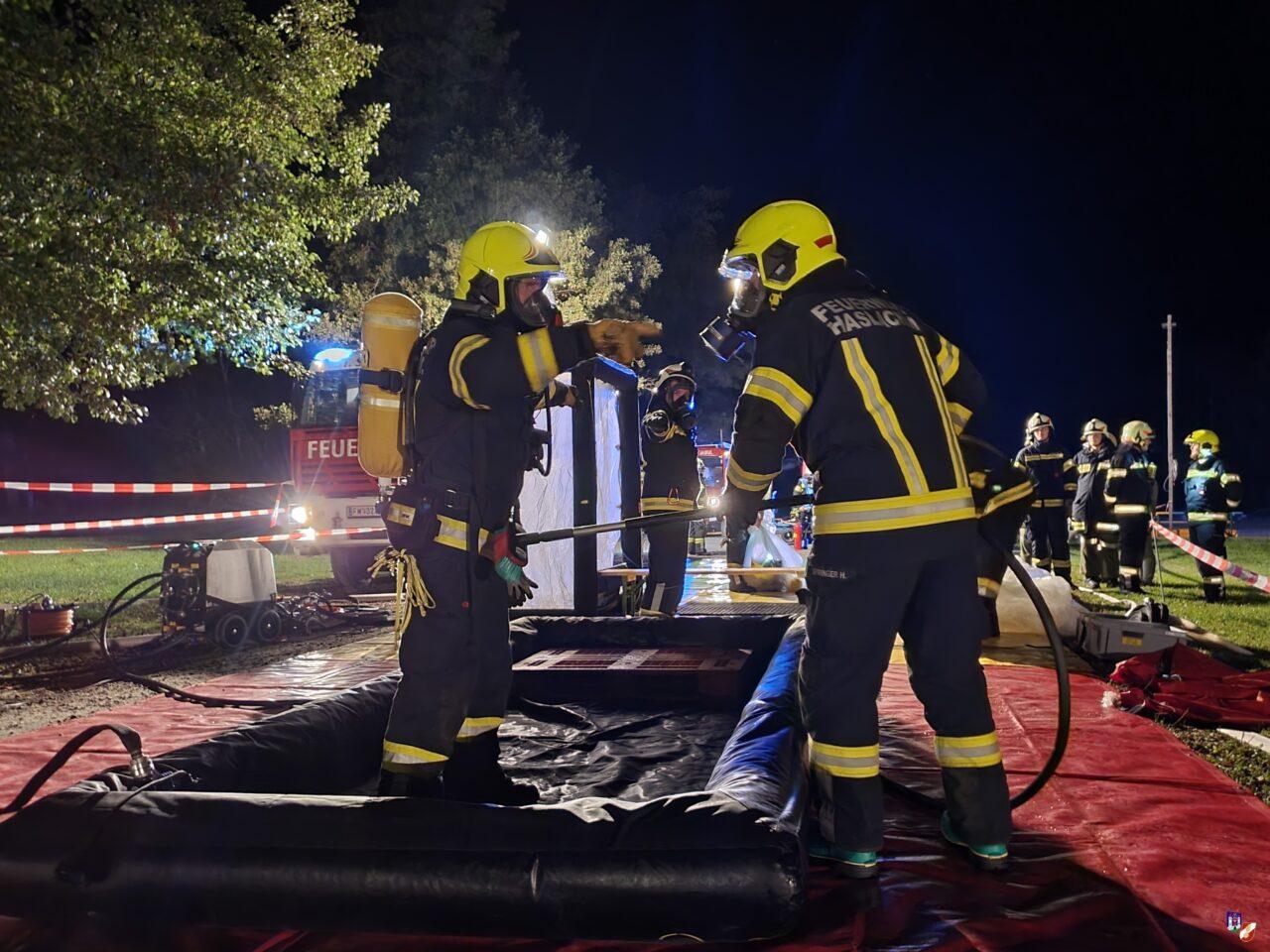 Verkehrsunfall mit verletzten Personen, Austritt eines Gefahrenstoffes